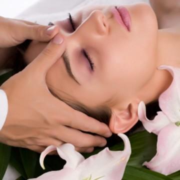 Indian Face & Scalp Massage