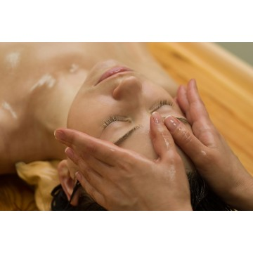 Aromatherapy Face & Body Massage