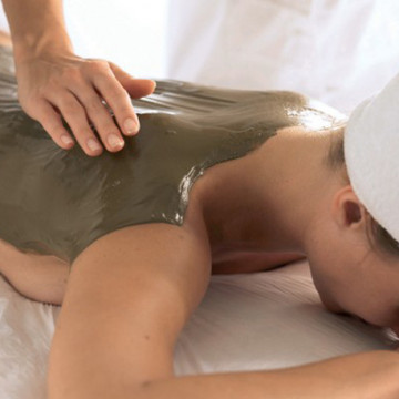 Remodeling and packing massage with clay | Remodeling your body